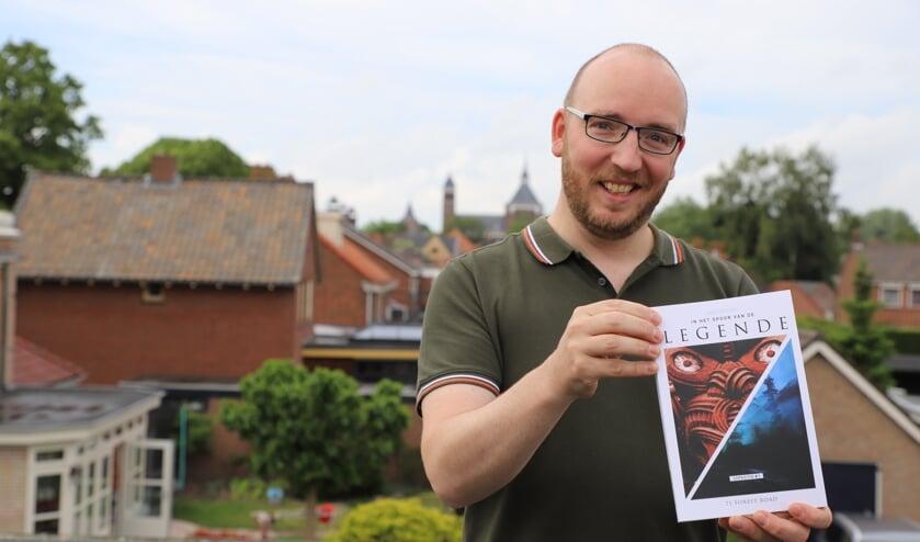 Joos Schijns uit Halsteren toont zijn debuutuitgave.