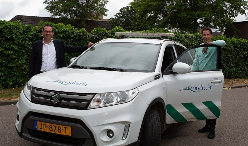 Burgemeester Steven Adriaansen en Handhaver Jeroen Alleman.