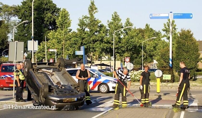Bij een ongeval op de Scheldeweg / Putseweg kwam een scooter onder een personenauto terecht.