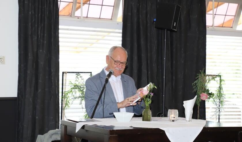 Boekpresentatie 't Kom d'ammel goed door Jan Luysterburg.