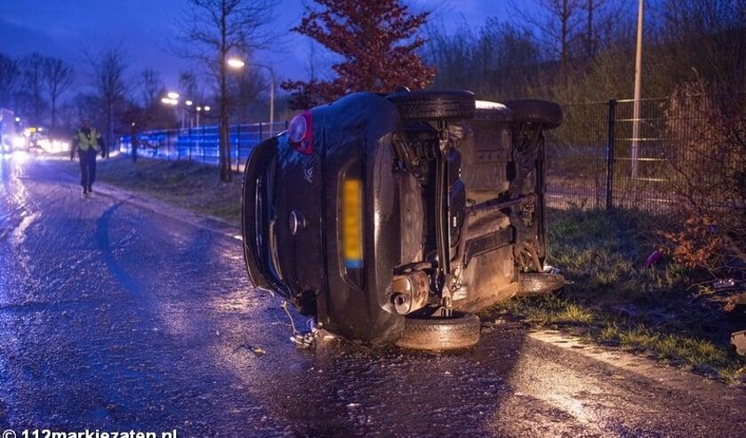 <p>Ongeval op de Steenbergseweg bij Lepelstraat door gladheid in april.</p>