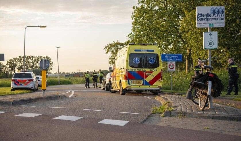 Ongeval op de rotonde aan de Tholenseweg in Halsteren.
