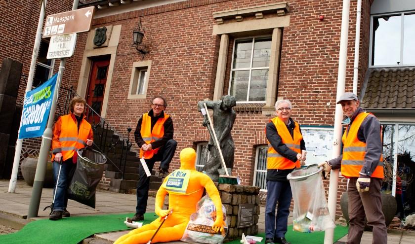 De gemeente Mook en Middelaar doet elk jaar mee aan de Opschoondag. (foto: Ingrid Driessen)