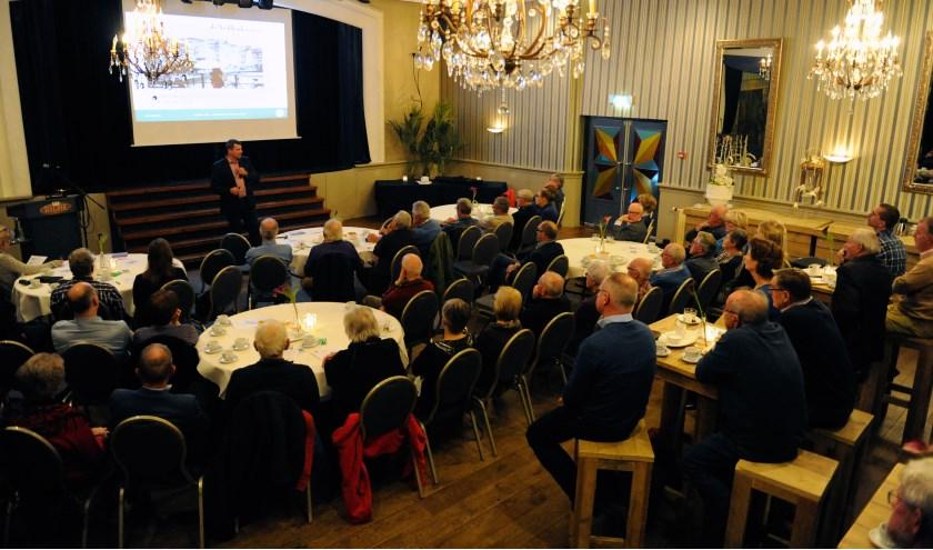 Gericht huurwoningen bouwen voor jongeren, was één van de onderwerpen tijdens het afgelopen week gehouden Politiek Café in Boxmeer. (foto: Ingrid Driessen)