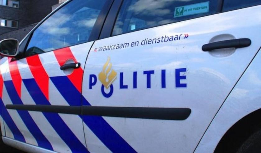 Automobilist met glaasje op van de weg gehaald in Grave.