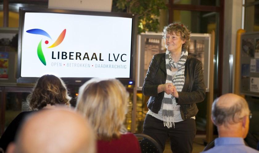 Liesbeth van Heeswijk presenteerde maandagavond haar partij Liberaal Land van Cuijk. (foto: Diana Derks)