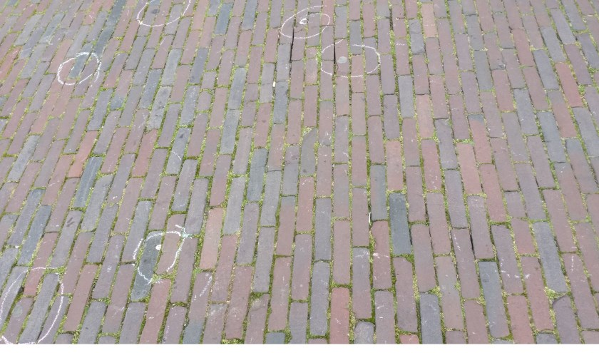 Kauwgom gespot op de Veghelste stoep (Foto: GumBuddy).