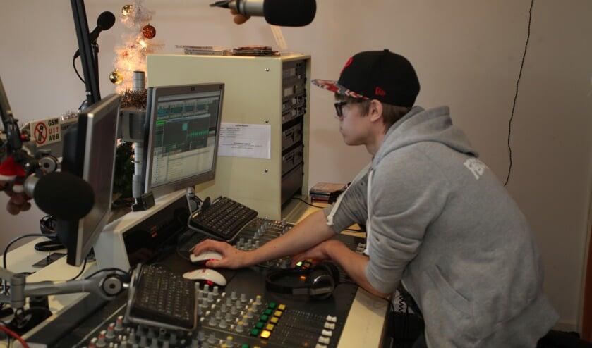 De studio van SkyLine Radio (Foto's Peter Kuijpers)