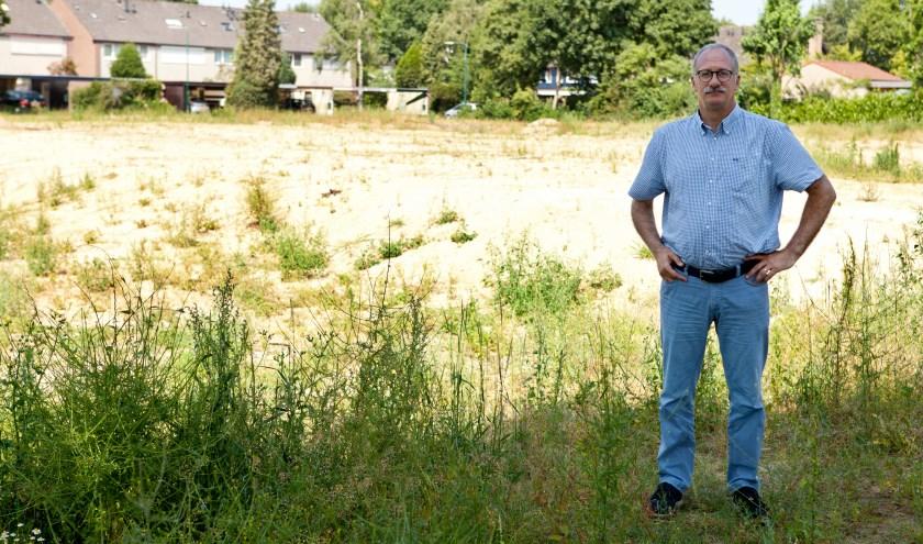 Maarten Jilisen op de bouwlocatie van IKC Padbroek. (archieffoto: Diana Derks)
