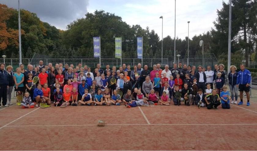 De deelnemers van het junior-senior toernooi.