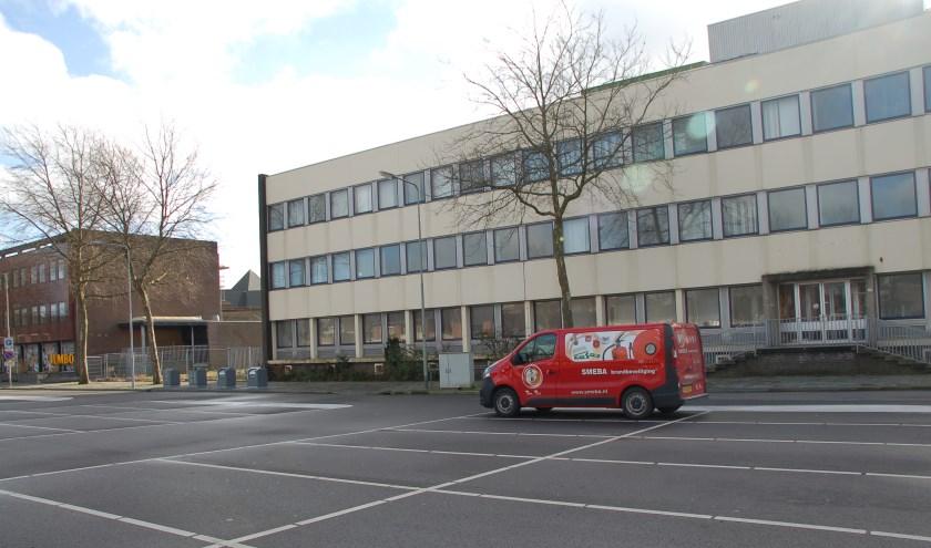 De vestiging van supermarkt Lidl op de plaats van het belastingkantoor in Gennep is een stap dichterbij gekomen. (foto: Jos Gröniger)