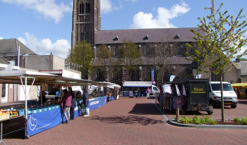 De weekmarkt in Mill. (foto: Pieter Smits)