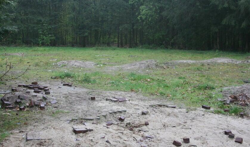 Het braakliggende terrein aan de Mergen in Mill waar voorheen een klein woonwagenkamp stond.