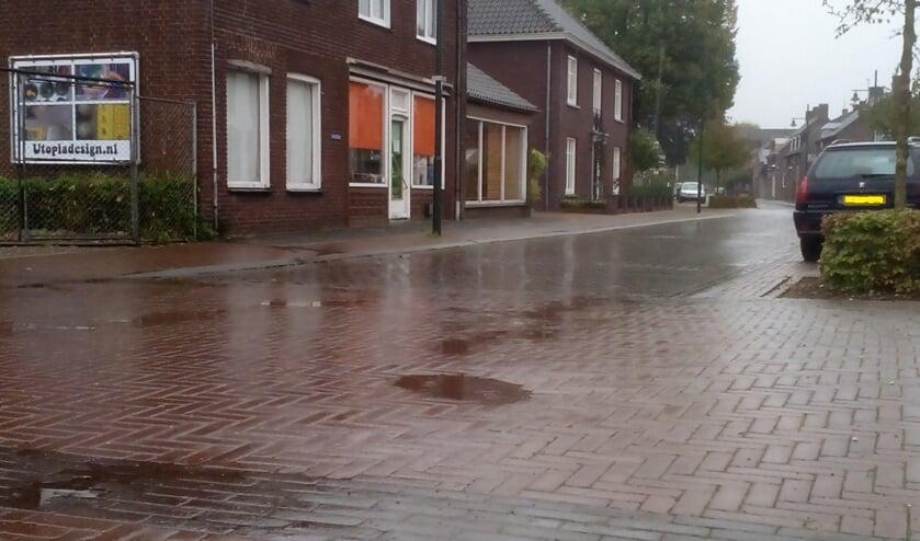 De gemeente Bergen werkt aan wegenonderhoud. In Afferden wordt de Dorpsstraat opgeknapt.