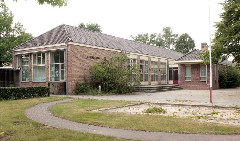 De leegstaande Willem Christiaansschool in Ledeacker wordt binnenkort een bedrijfsverzamelgebouw. Foto: Kees de Bruijn