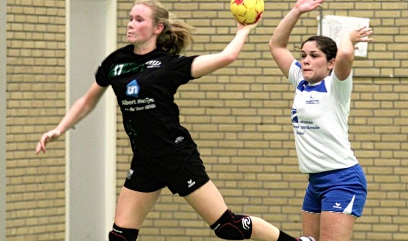 De dames van MHV'81 behielden de koppositie in de hoofdklasse na een gelijkspel tegen aartsrivaal Habo'95 in Boekel.