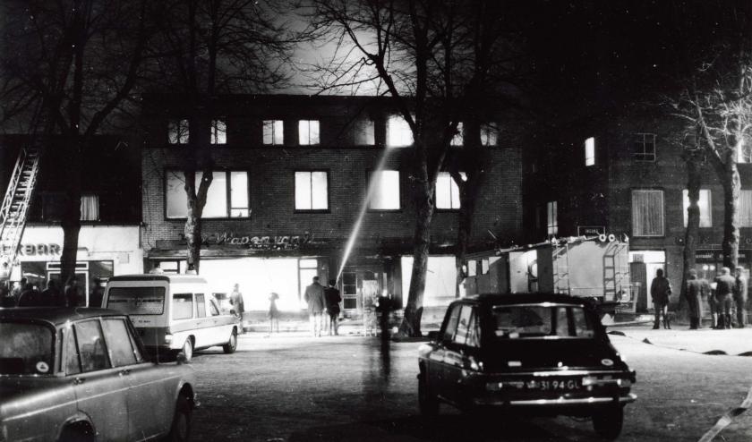 Brand bij het Wapen van Uden in 1976. (foto: Stichting Het Uden-archief van Bressers)