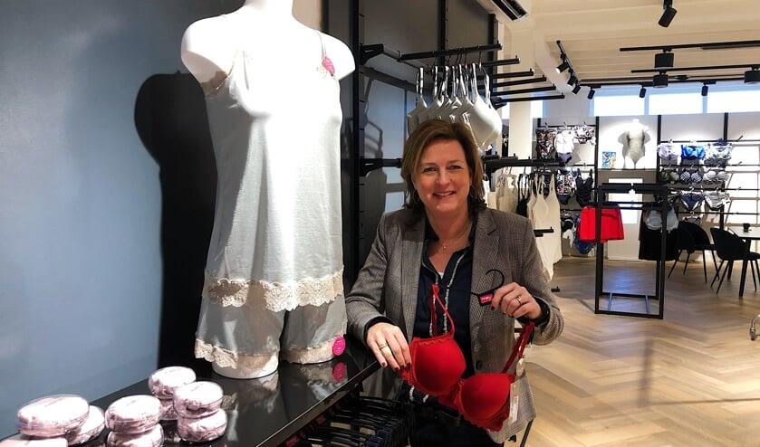 Janine Heethuis is de trotse eigenaresse van JES Lingerie.
