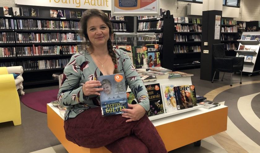 Met maar liefst 26 boeken voor kinderen van alle leeftijden siert Ineke Kraijo menig bibliotheekkast. Onlangs verscheen haar nieuwste boek 'Lieke turnt voor publiek'.