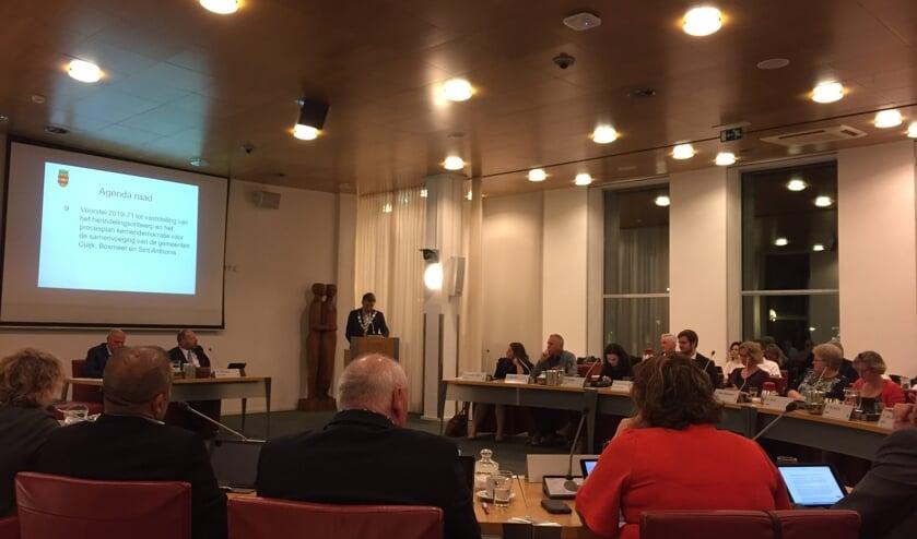 De Cuijkse gemeenteraad stemde maandag, net als die van Boxmeer en Sint Anthonis, in met de één-na-laatste stap op weg naar een gemeentelijke herindeling per 2022.