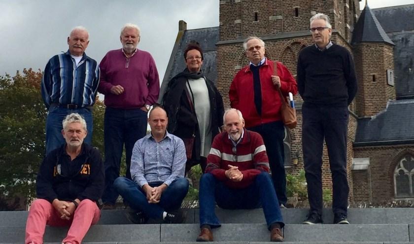 Vertegenwoordigers van het Erfgoedplatform Mook en Middelaar.