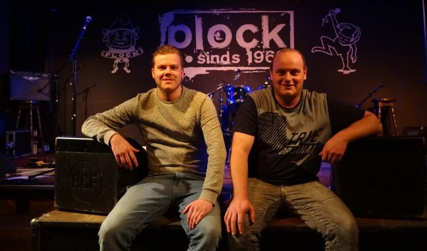 Thomas van Tiel (PR) en Joeri Noijen, voorzitter van Soos Plock (foto: Ankh van Burk)