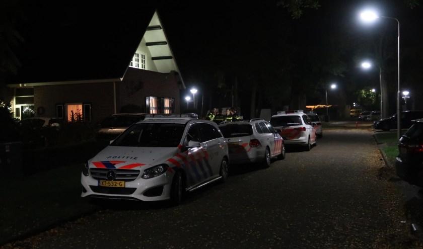 Politie onderzoekt beroving. (Foto: Gabor Heeres / Foto Mallo)