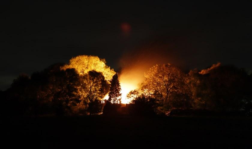 Leegstaande boerderij in Beers is uitgebrand.
