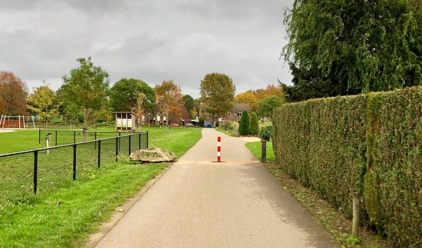 De populaire sluiproute via de Heeswijk is per heden afgesloten voor snelverkeer.