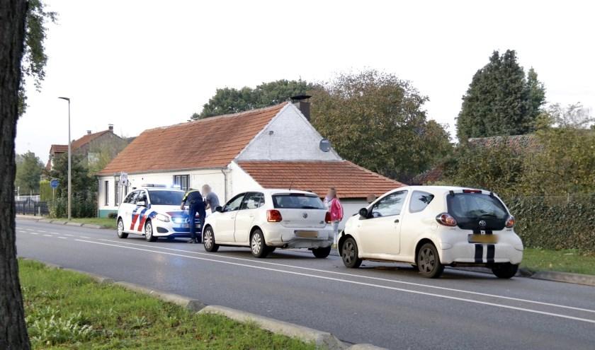 Auto's botsen op elkaar op de N271 bij Nieuw-Bergen.