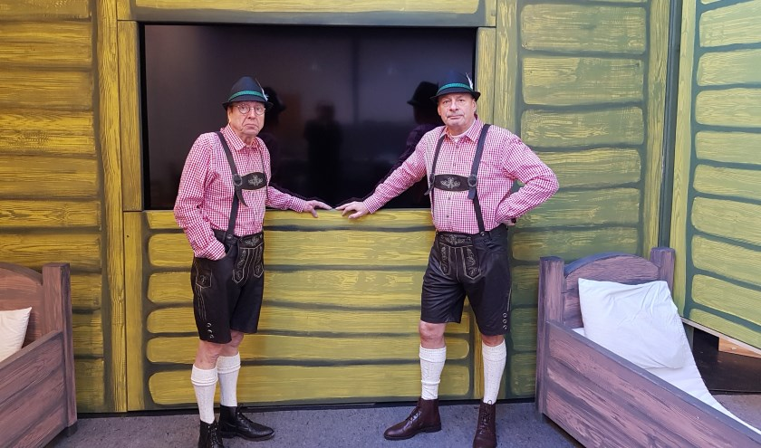 Bij acteurs Wigbolt Kruijver en Bert Bunschoten viert het absurdisme hoogtij.