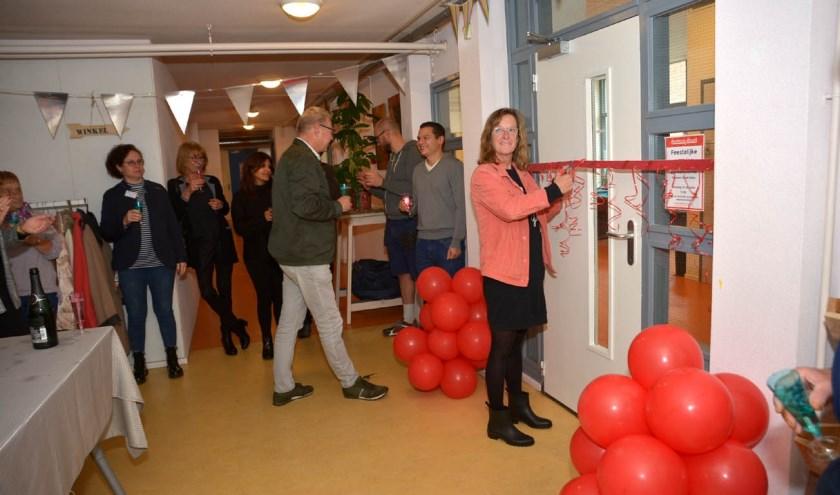 De nieuwe ruimte werd feestelijk geopend.