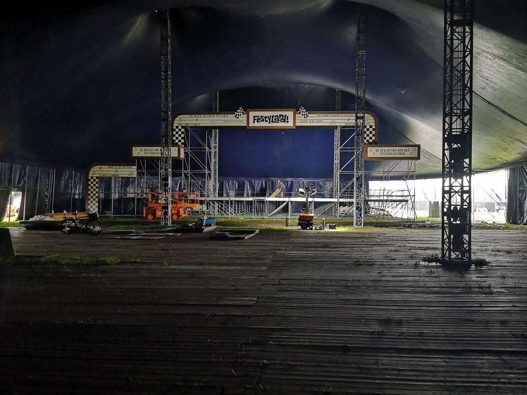 De opbouw van het terrein.  © Kliknieuws Uden