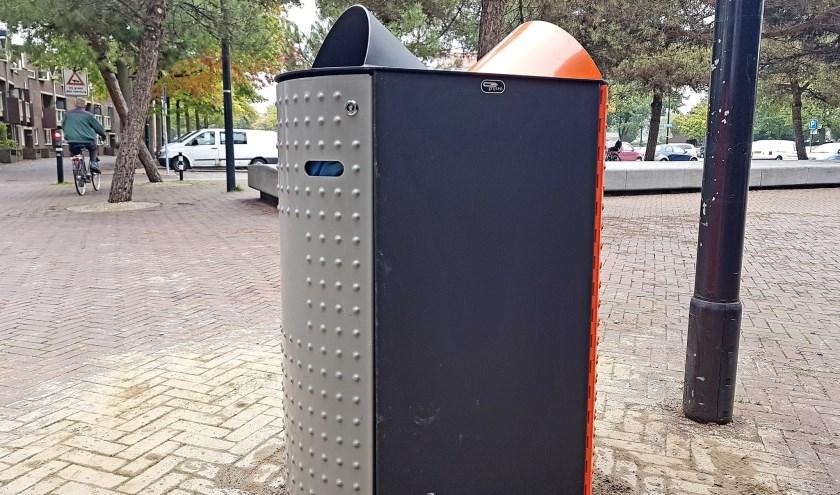 Nieuwe afvalbakkenin Osse centrum vanwege Week van de Duurzaamheid. (Foto: Jack van Lieshout)