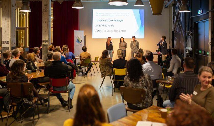 Ties van Dooren ondervraagt de drie winnaars (Foto's: Cindy Langenhuijsen).