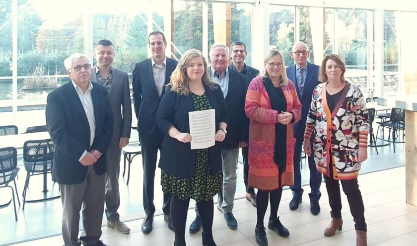 Bestuurders tekenden een samenwerkingsovereenkomst cultuurregio Noord- en Midden-Limburg.