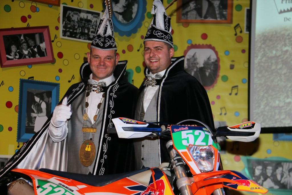 Prins Chris (Ermens) d'n Urste en Adujant Stef zijn de heersers over het Plekkersriek in Vortum-Mullem.  © Kliknieuws De Maas Driehoek