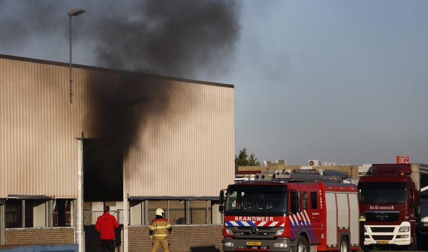 Brand in leegstaande loods in Katwijk.