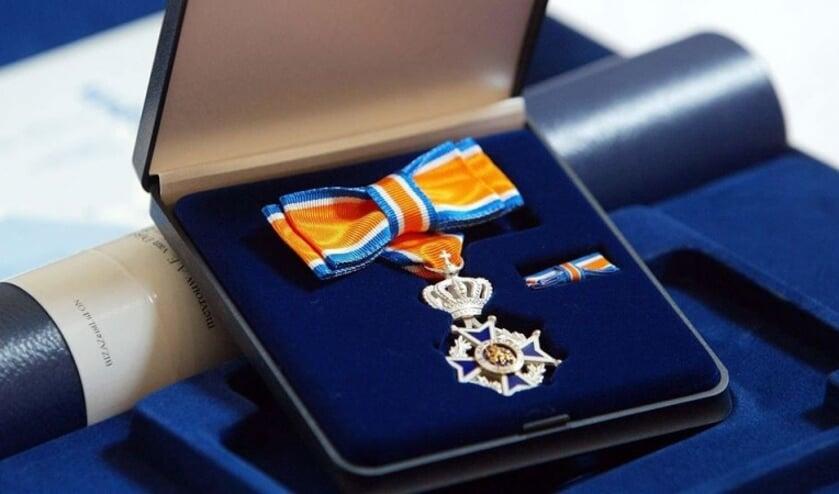 Koninklijke onderscheiding voor twaalf jubilerende brandweermannen Graafse korps.