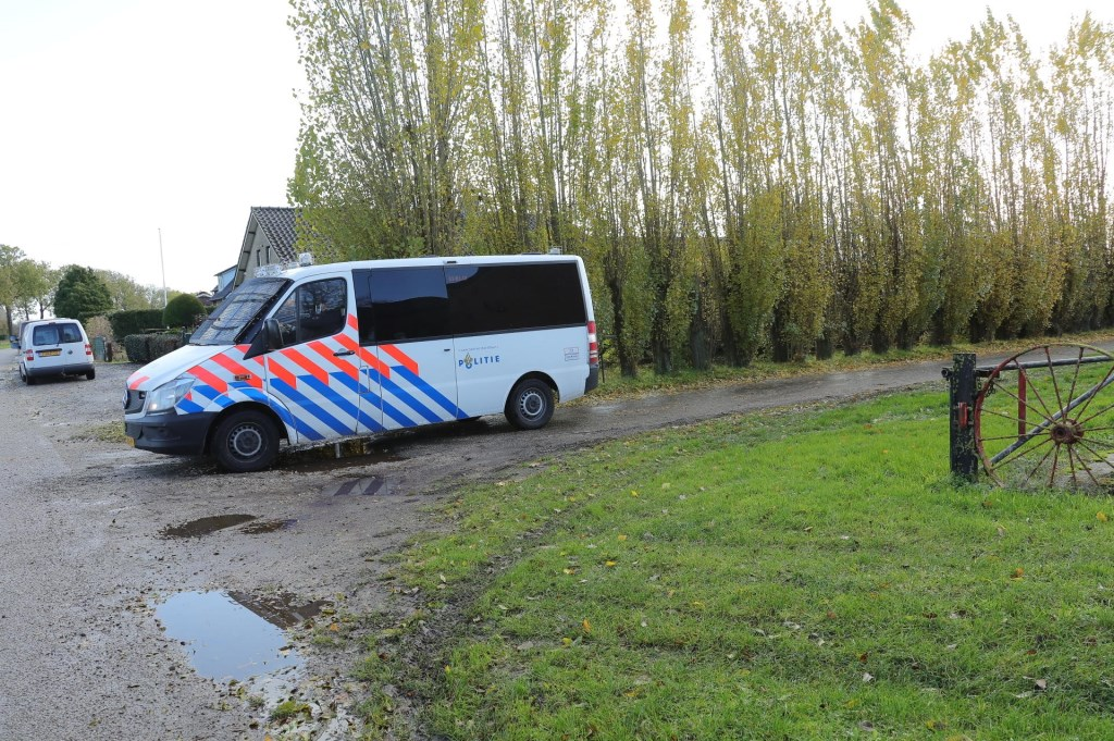 Onderzoek in Oijen. (Foto: Charles Mallo / Foto Mallo)  © 112 Brabantnieuws