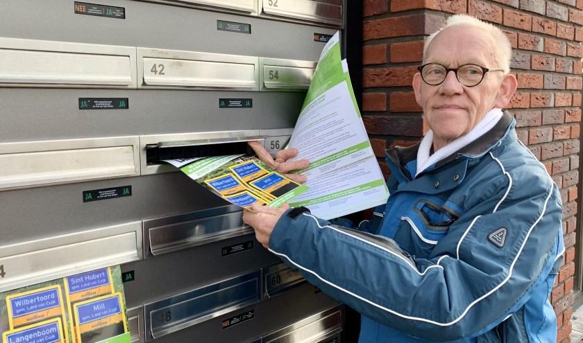 Harrie van de Linden bezorgde afgelopen week in de gemeente Mill en Sint Hubert honderden flyers namens het burgerinitiatief.