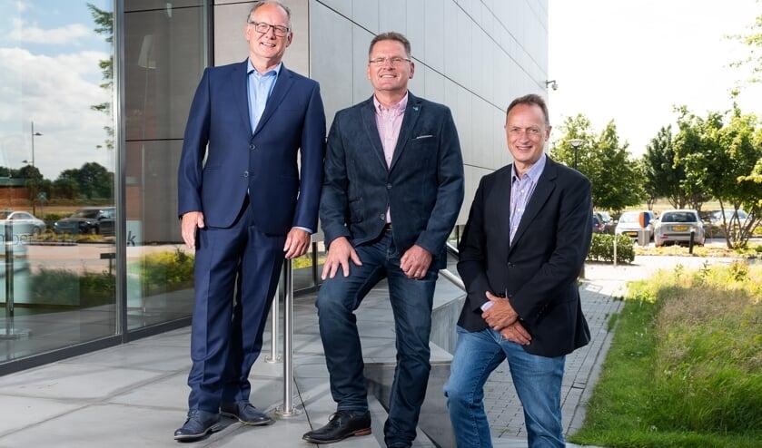 Stephan Hamers (midden) is winnaar geworden van de Ondernemersprijs.
