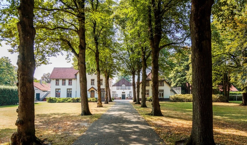 Tijdens de informatieavond worden plannen om een nieuwe woongemeenschap te realiseren op het terrein van de Stevenshof gedeeld.