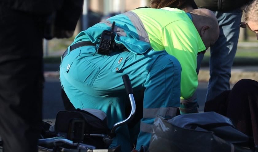Gewonde bij ongeval op Vierhoeksingel. (Foto: Gabor Heeres / Foto Mallo)