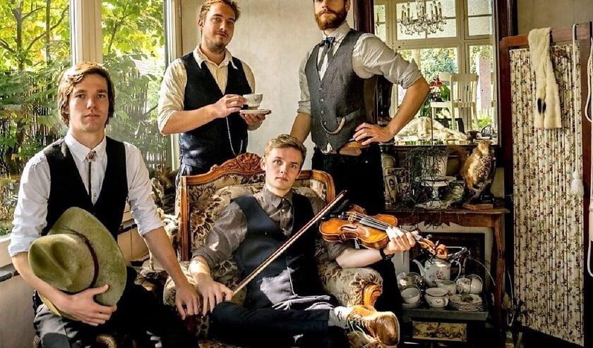 Reminder combineert American Roots Music en progressieve bluegrass tot hun eigen 'Reminder sound'.