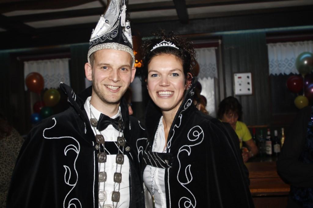 Prins Ron II (v/d Heuvel) en prinses Ellen Selten van Blubberdam (Rijkevoort). (foto: Bas Delhij)  © Kliknieuws De Maas Driehoek