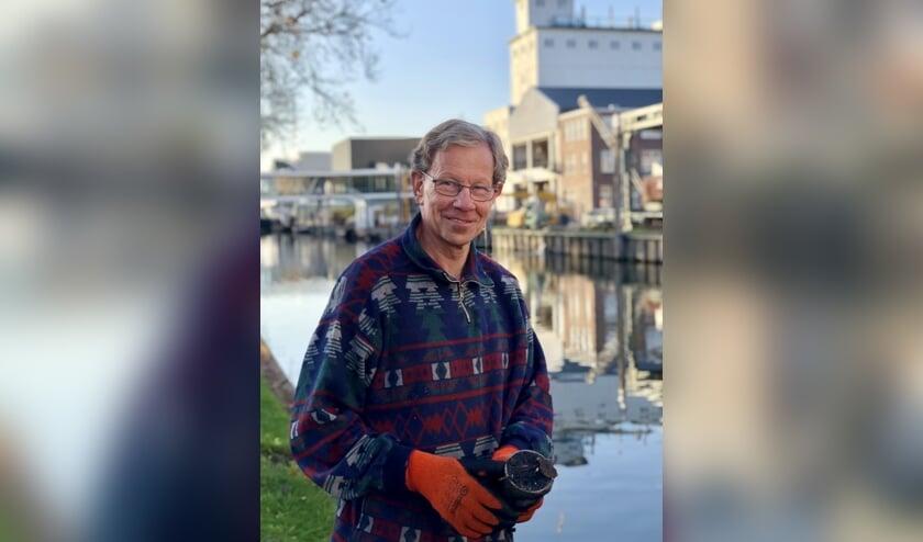 Henk Driessen uit Erp geniet van magneetvissen.