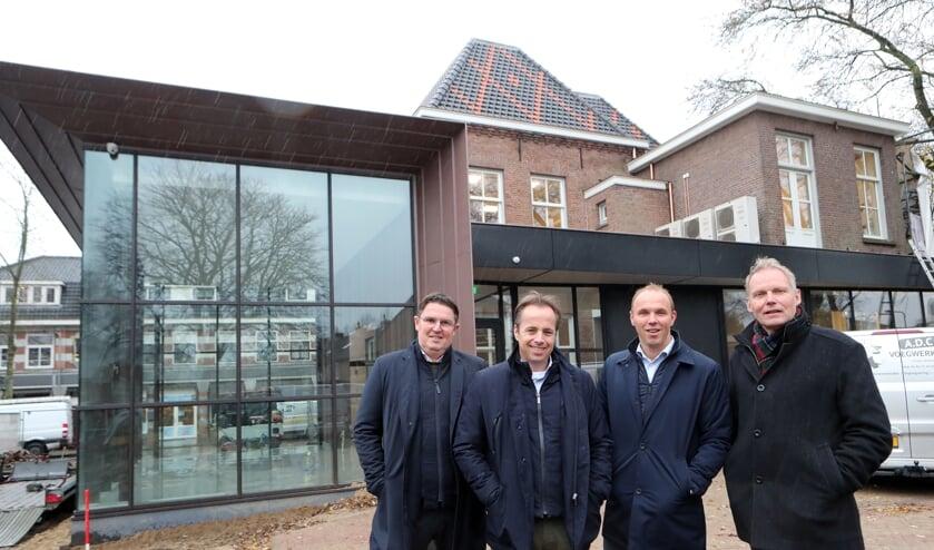 De eigenaren van Van der Krabben Makelaardij.