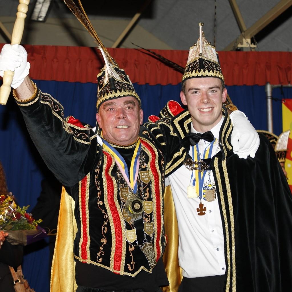 Bernie Janssen is de nieuwe prins van Sambeek. Zijn adjudant isLuc Janssen Foto: Bas Delhij © Kliknieuws De Maas Driehoek