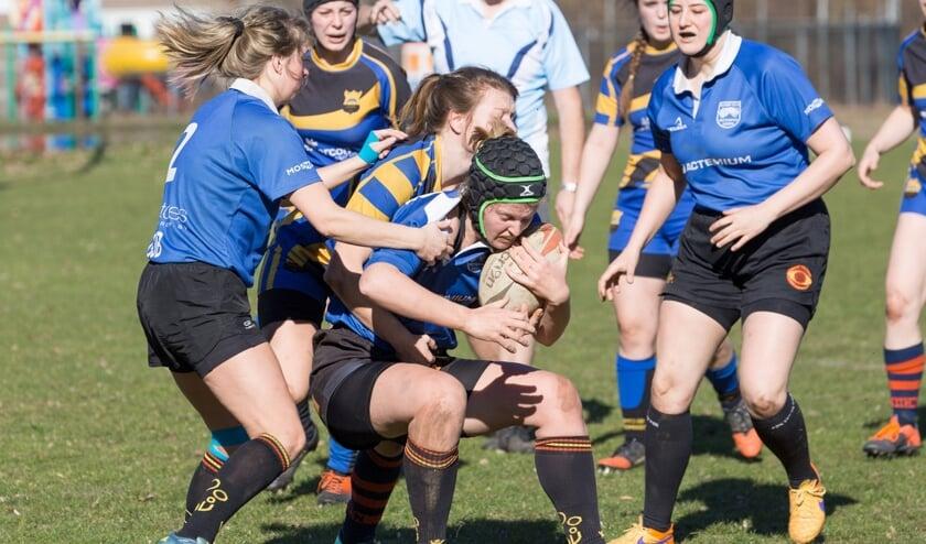 Rugby wint in Nederland aan populariteit. Ook onder vrouwen.